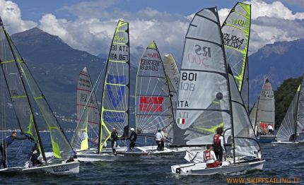 skiff sailing week dongo