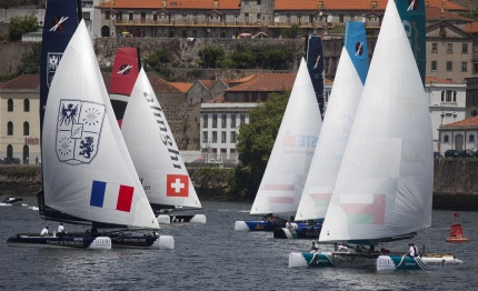 collisions close calls and thousands of spectators on spectacular day in porto