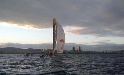 flash barcelona world race stamm le cam tagliano il traguardo
