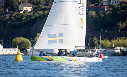 m32 perfect day for alite racing in calm waters