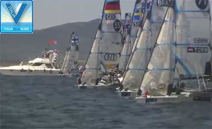 sailing world cup hyeres 49erfx in acqua video