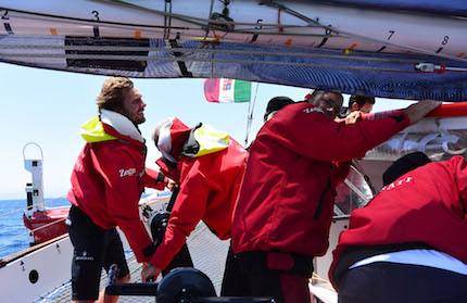 maserati multi70 battaglia per il comando tra multiscafi nella transpacific yacht race