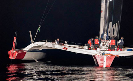 middle sea race maserati sempre in testa dopo una notte difficile