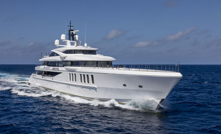 al benetti spectre il world superyacht awards
