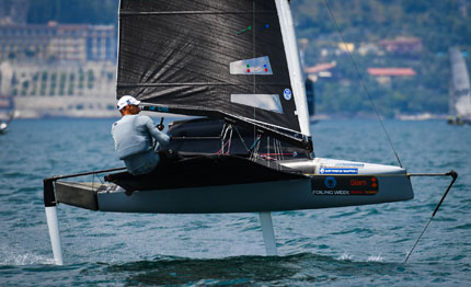 foiling week francesco bruni vince in classe moth
